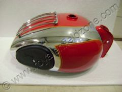 CHROME-RED P.TANK WITH GRILL AND KNEE PADS (25 LITRES)