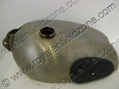 PETROL TANK WITH KNEE PADS