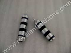 METAL HAND GRIPS WITH RUBBERS RINGS AND POINTED ENDS