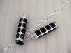 METAL HAND GRIPS WITH RUBBERS RINGS AND POINTED ENDS TYPE 2