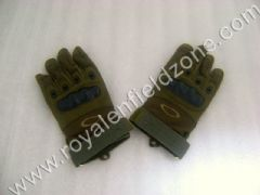 GLOVES IN MILITRY GREEN COLOR