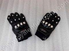 GLOVES WITH CHROME PROTECTORS