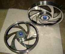 ALLOY WHEEL CHROME WITH BLACK OUTLINE BLADE TYPE